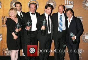 Tess Harper, Josh Brolin, Tommy Lee, Tommy Lee Jones and Woody Harrelson