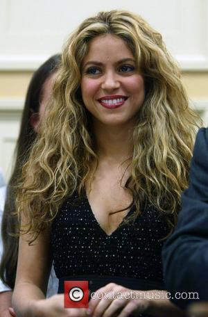 Shakira's Hips Enthrall The UK Charts
