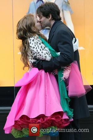 Isla Fisher and Hugh Dancy