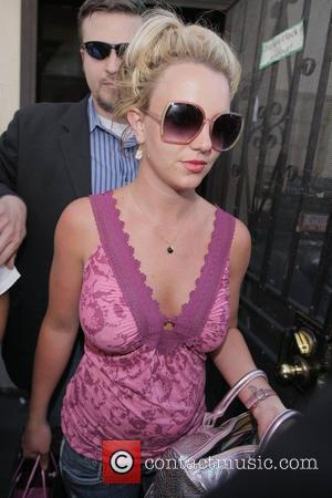 Spears' Bodyguard Caught Her 'Taking Drugs In Restroom'