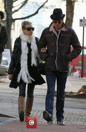 Rhys Ifans, Sienna Miller