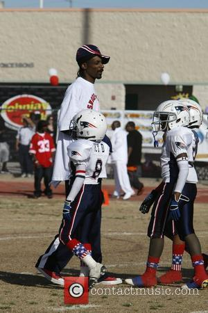 Snoop Dogg with Athletes  Snoop Bowl VI at Hamilton High School Chandler, Arizona 02.02.08
