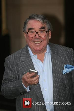 Ronnie Corbett  The South Bank Show Awards at The Dorchester Hotel - Departures London, England - 29.01.08