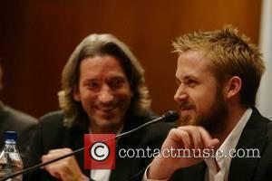 Gosling Dismisses Nose Surgery Speculation
