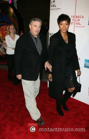 De Niro Embroiled In Hotel Row