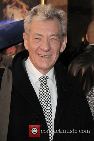 Mckellen Urges Singapore To End Anti-gay Stance