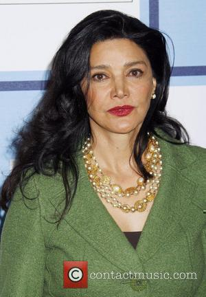 Actress Aghdashloo Refuses To Return To Iran