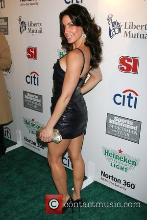 Laura Posada Sports Illustrated celebrates 2007 Sportsman of the Year Brett Favre at Skylight Studios New York City, USA -...