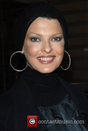 Linda Evangelista Switching on the Christmas lights at Stella McCartney's shop  London, England - 29.11.07