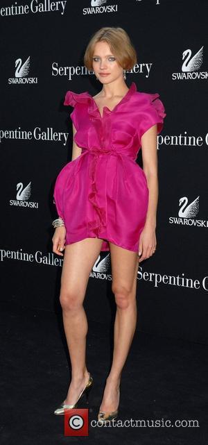 Supermodel Struts Catwalk Weeks After Childbirth