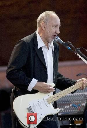 Pete Townshend The Who performing live at The Rose Bowl  Hampshire, England - 02.06.07