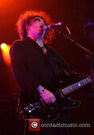 Thompson Rejoins The Cure