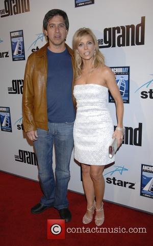 Ray Romano and Cheryl Hines
