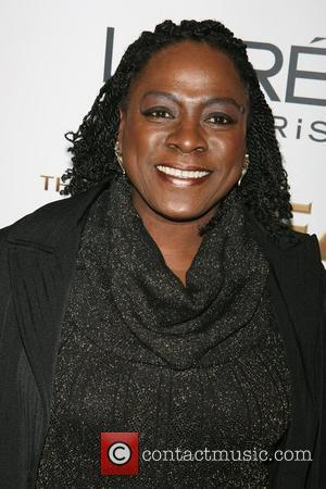 Sharon Jones Vows To Return To The Stage Despite Cancer Diagnosis