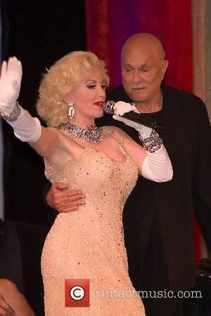 Marilyn Monroe look-a-like at Tony Curtis celebrates his 82nd birthday at the Luxor Hotel and Casino Las Vegas, Nevada -...