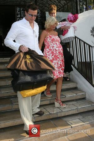 Heavily Pregnant and Tori Spelling