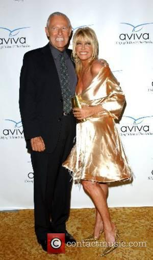 Alan Hamel and Suzanne Summers (wearing a dress designed by her daughter) Aviva Family and Children's Services honors Suzanne Summers...