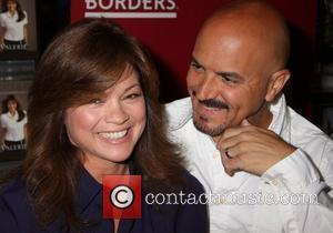 Valerie Bertinelli and Tom Vitale signs copies of her book 'Losing It' at Borders Las Vegas, Nevada - 19.04.08