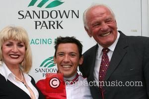 Faith Brown, Frankie Dettori and Henry Cooper The Sandown Variety Club Horse Race held at The Sandown Racecourse,  Surrey,...