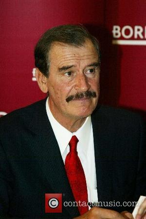 Former Mexican President Vicente Fox at a book signing for his book ' Revolution of Hope ' Borders Books in...