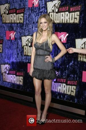 Ashlee Simpson, Las Vegas and Mtv