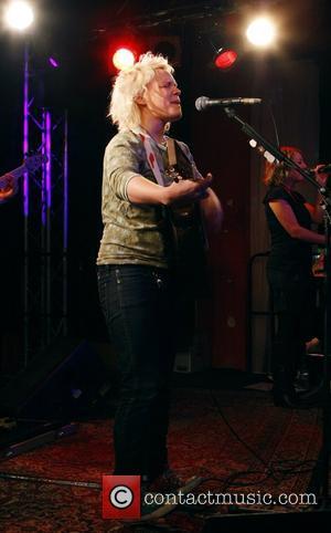 Irish singer/songwriter Wallis Bird performing at Frannz Club Berlin, Germany - 01.12.07