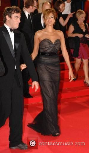 Joaquin Phoenix and Eva Mendez 2007 Cannes Film Festival Day 10 - Gala screening of 'We Own the Night' -...