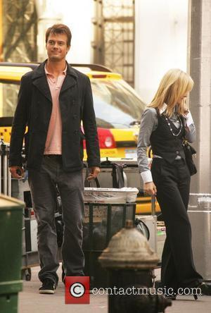Josh Duhamel and Kristen Bell