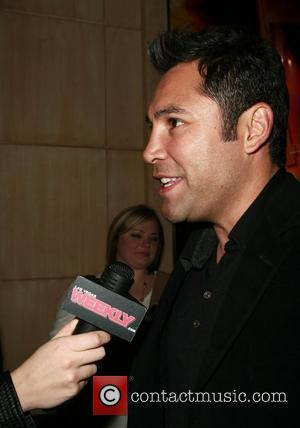 Experts Conclude De La Hoya Pictures Were Faked