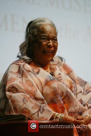 Della Reese National Museum of Women in the Arts honors five women at 'Legacies of Women in the Performing Arts'...