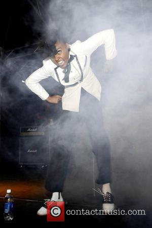 Monae Brings Out The Stars