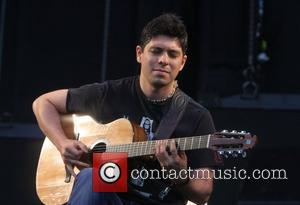 Trujillo Jams With Rodrigo Y Gabriela