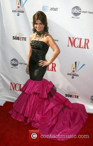 Paula Abdul Undergoes Neck Surgery