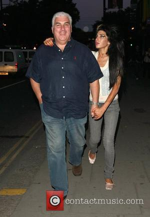 Mitch Winehouse takes daughter Amy Winehouse to the Guanabana restaurant in Camden London, England - 08.06.08