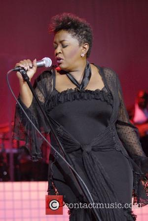 Anita Baker Explains Semi-Retirement