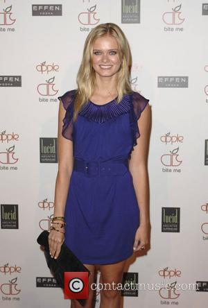 Sara Paxton Apple Lounge Grand Opening - Arrivals West Hollywood, California - 14.08.08