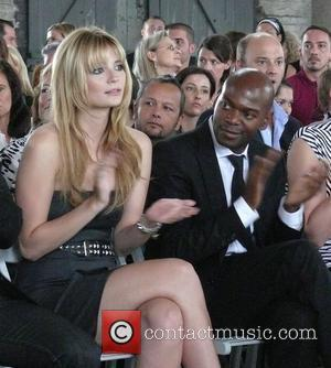 Mischa Barton and Eyan Allen Sitting In Front Row