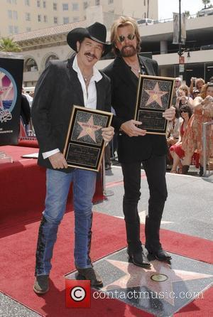 Kix Brooks and Ronnie Dunn Brooks and Dunn receive a star on the Hollywood Walk of Fame on Hollywood Blvd...
