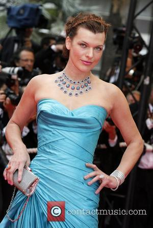 Jovovich Plans To Backpack With Daughter