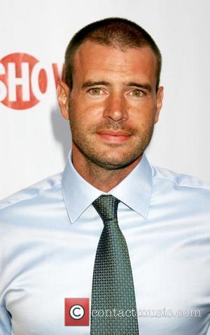 Scott Foley and Cbs
