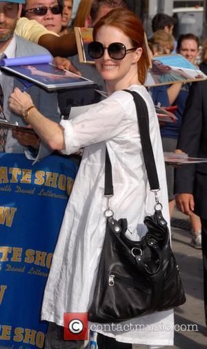 Julianne Moore, Cbs and David Letterman