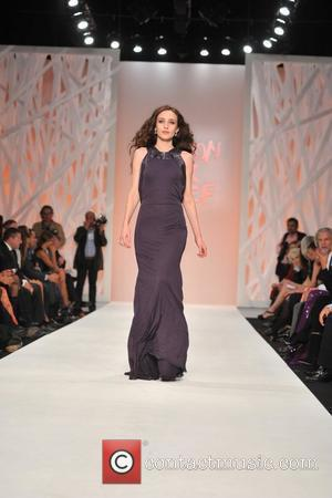 Elizabeth Jagger London Fashion Week - Spring/Summer 2009 - Fashion for Relief event held at BFC Tent, Natural History Museum...