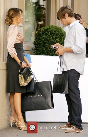 Madchen Amick and Chace Crawford  film on location for the television series 'Gossip Girl'  New York City, USA...