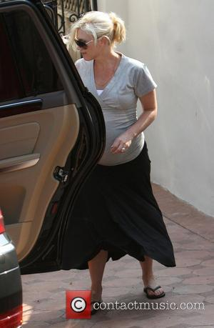 Stefani Checks Into Hospital To Give Birth