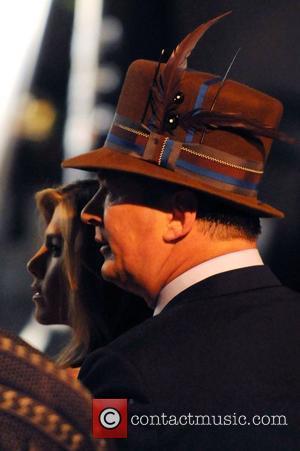 Jennifer Aniston and Alec Baldwin