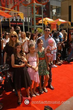 Grauman's Chinese Theatre, Lou Diamond Phillips