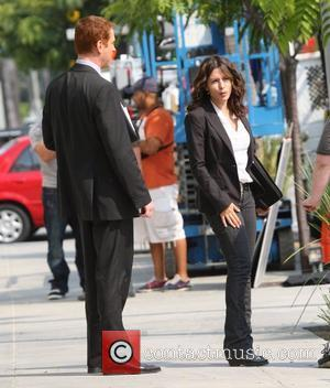 Damian Lewis and Sarah Shahi filming their television series 'Life' Los Angeles, California - 24.06.08