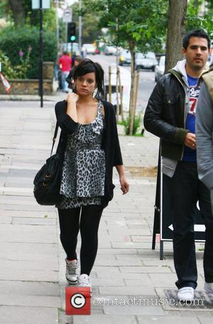 Lily Allen leaving her house to meet a friend for lunch London, England - 09.09.08