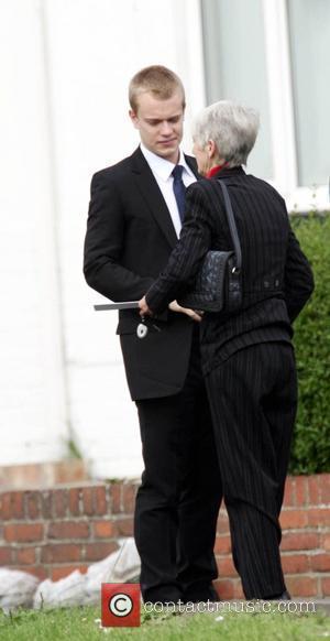 Lily Allen and Alfie Allen Smoking