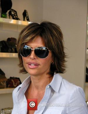 Lisa Rinna does some shopping after celebrating her birthday with two friends at the Ivy Los Angeles, California - 09.07.08